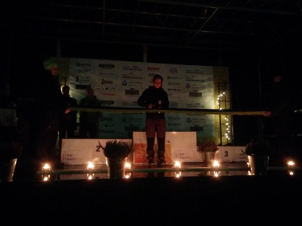 Invigning med ljus, nationalsång och tal